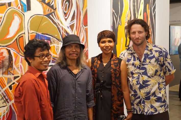 Balinese artists Wayan Wirawan, Made Budhiana, Ni Nyman Sani with Australian Artist Rupert Betheras at the NCCA 23 Jan 2016, Image Budhiana