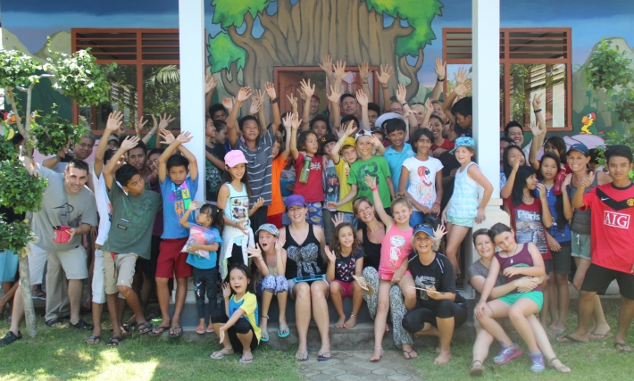 Bali Bridges. Students from UWCSEA Singapore & from Widhya Asih orphanage. Image care of UWCSEA