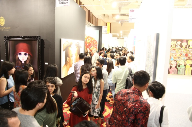 huge-crowds-at-bazaar-art-jakarta-2016-image-courtesy-baj-2016
