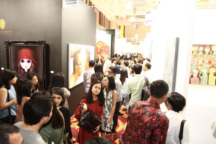 huge-crowds-at-bazaar-art-jakarta-2016-image-courtesy-baj-2016