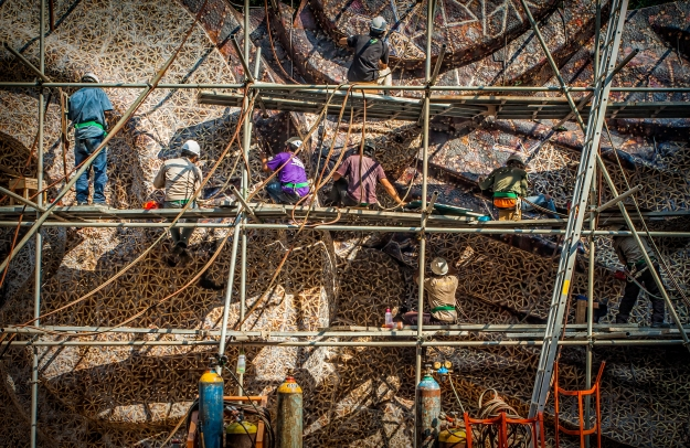 construction-of-gwk-statue-at-nuartas-studio-bandung-image-pt-siluet-nuarta
