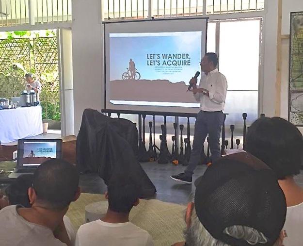 Marlem Bandem giving a presentation for Denpasar Walk