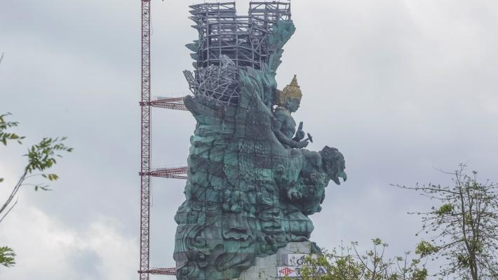 side elevation GWK statue - image courtesy PT. Siluet Nyoman Nuarta