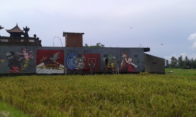 Mural Project in the rice fields opposite Kulidan Kitchen Space - Image Richard Horstman