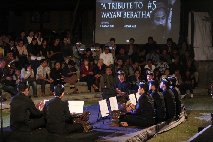 Komponis Kini #5-A Tribute to Wayan Beratha bersama Gde Yudane dan Dewa Alit. Image courtesy of Bentara Budaya Bali